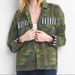 Gap camo military jacket with striped pockets